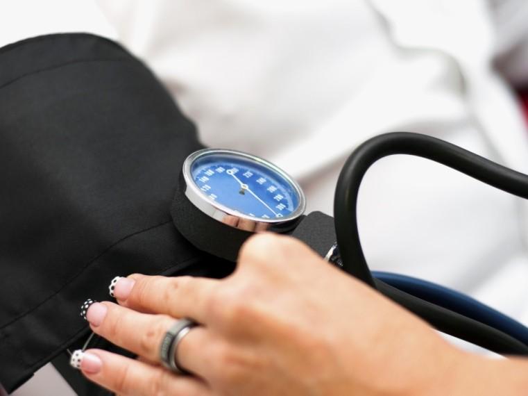 magas vérnyomás-ellenőrzés